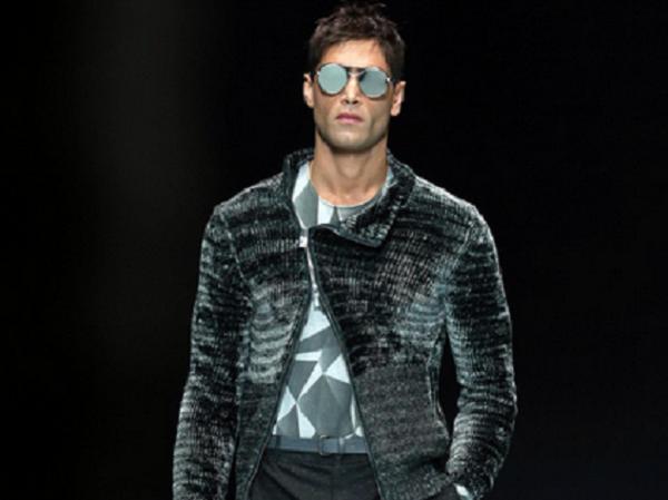 Armani omaggia Bowie   Milano Moda Uomo 2016 - Corsi di Moda Model ... 23323d42a57